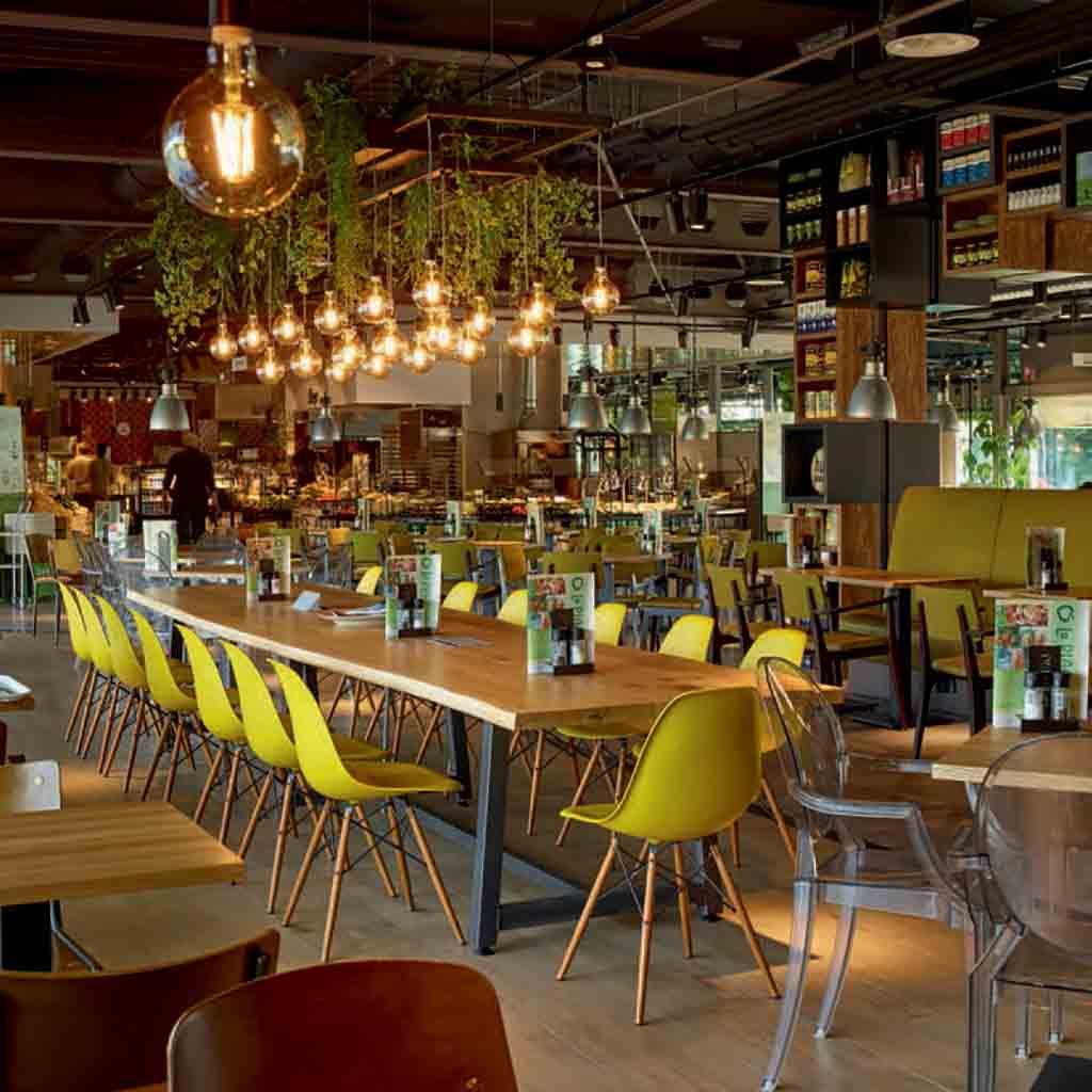 Meubilair voor cafe en restaurant