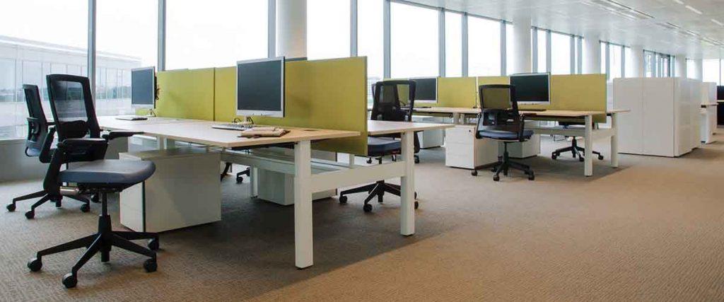 frontpanelen voor scheiding tussen bureaus