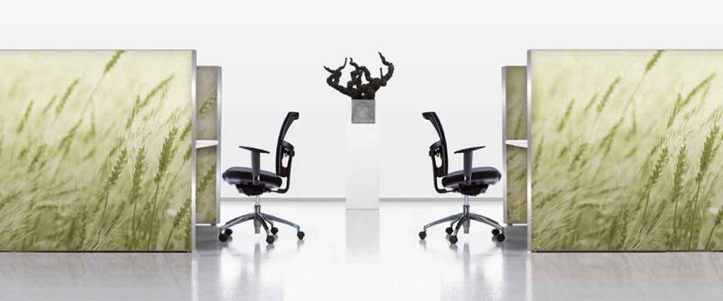 schermen en panelen voor op kantoor